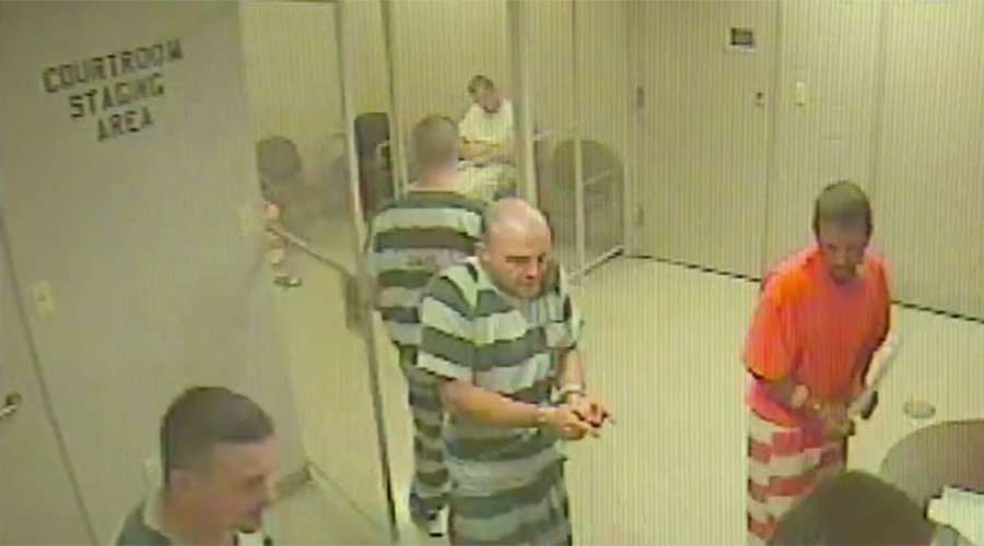 Inmates carry out jail break to save correctional officer's life (VIDEO)