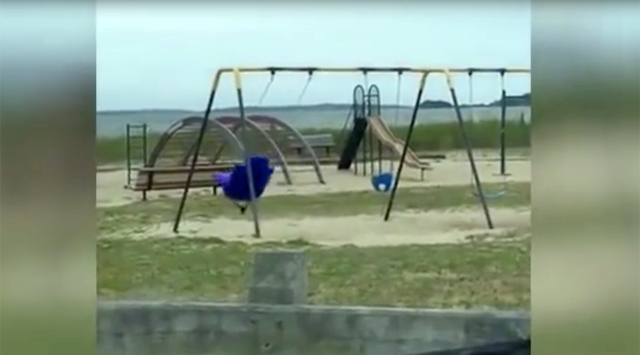 Poltergeist playground: Kids spooked by 'haunted ghost' swing (VIDEO, POLL)