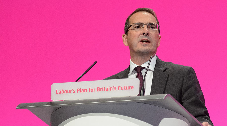 This file photo taken on September 22, 2014 shows Britain's Shadow Welsh Secretary Owen Smith. © Leon Neal