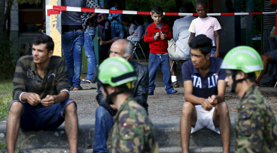 Swiss commune calls not to rent homes to refugees, fears financial disaster