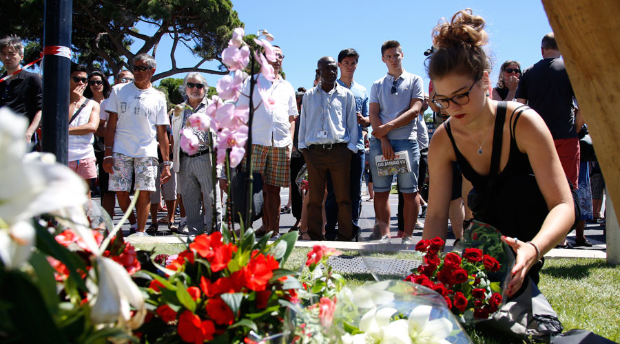 Grief, solidarity & frantic search for loved ones: #PrayForNice engulfs Twitter in wake of tragedy