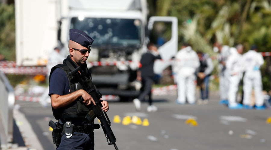 FILE PHOTO: French police secure the area as the investigation continues at the scene near the heavy truck that ran into a crowd at high speed killing scores who were celebrating the Bastille Day July 14 national holiday on the Promenade des Anglais in Nice, France, July 15, 2016. © Eric Gaillard