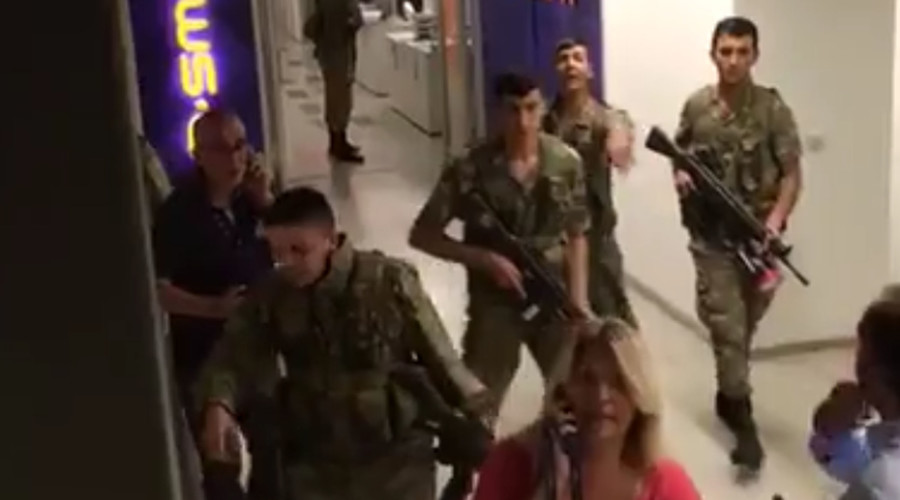 Military take media hostages at Hurriyet, CNN Turk offices – reports