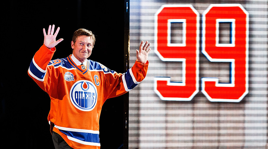 More than $200K for a card: Wayne Gretzky to set new hockey record at auction