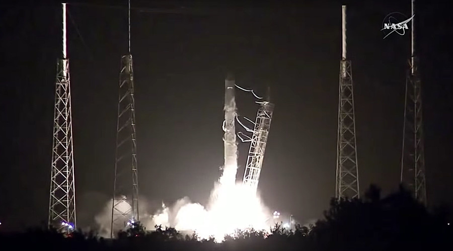 SpaceX's Dragon spaceship launched to ISS, first stage returned successfully