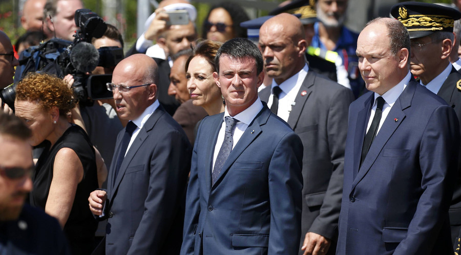 French PM Manuel Valls booed before & after minute of silence in Nice (VIDEO)