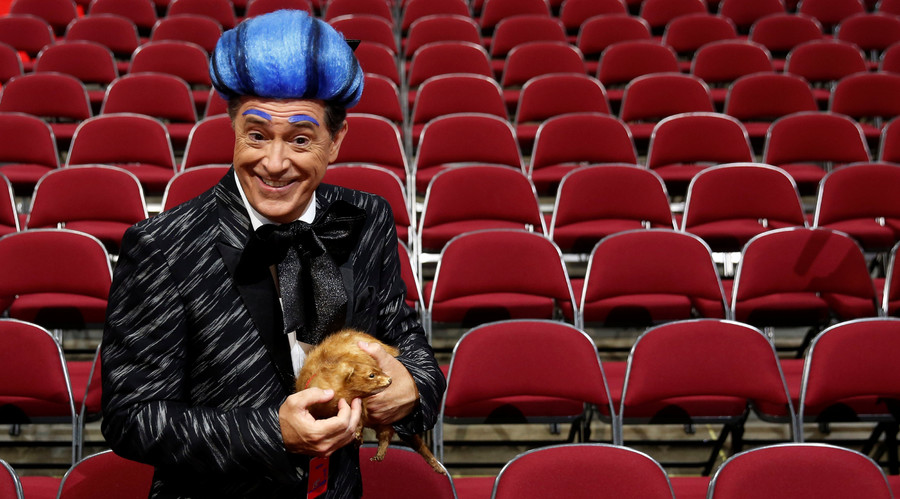 Republican 'Hunger Games': Comedian Stephen Colbert crashes RNC stage (VIDEO)