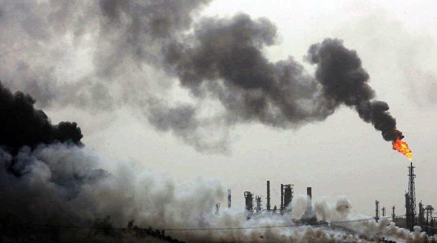 Oil giants agree to pay $425 million to reduce air pollution