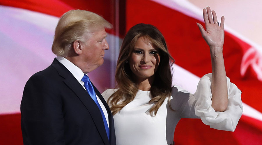 Melania Trump stands with her husband Republican U.S. presidential candidate Donald Trump at the Republican National Convention in Cleveland, Ohio, U.S. July 18, 2016. © Mark Kauzlarich