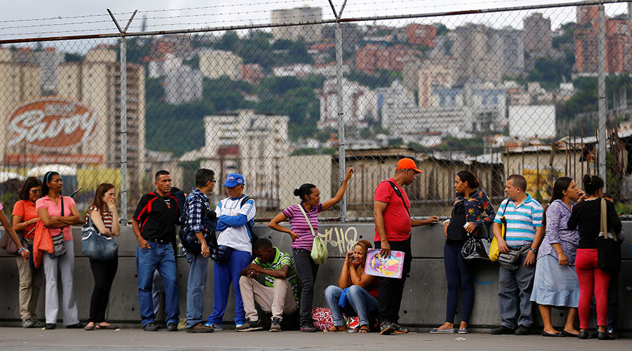 IMF predicts 700% inflation, 10% GDP contraction in Venezuela this year