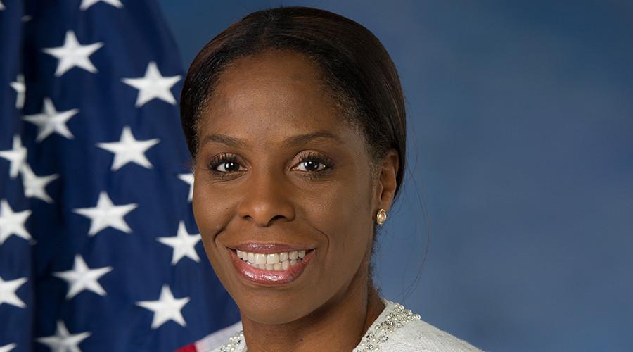 Stacey Plaskett (D-VI) © wikipedia.org
