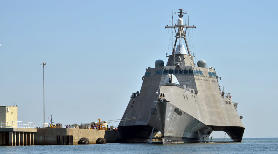 USS Independence (LCS 2) © Ensign Caleb White