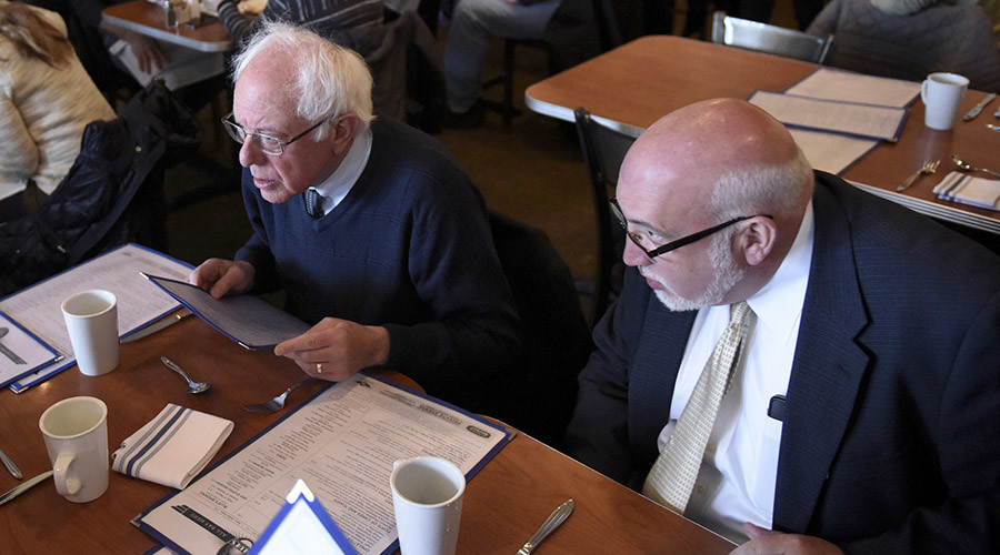 Democratic U.S. presidential candidate Bernie Sanders and campaign manager Jeff Weave © Mark Kauzlarich