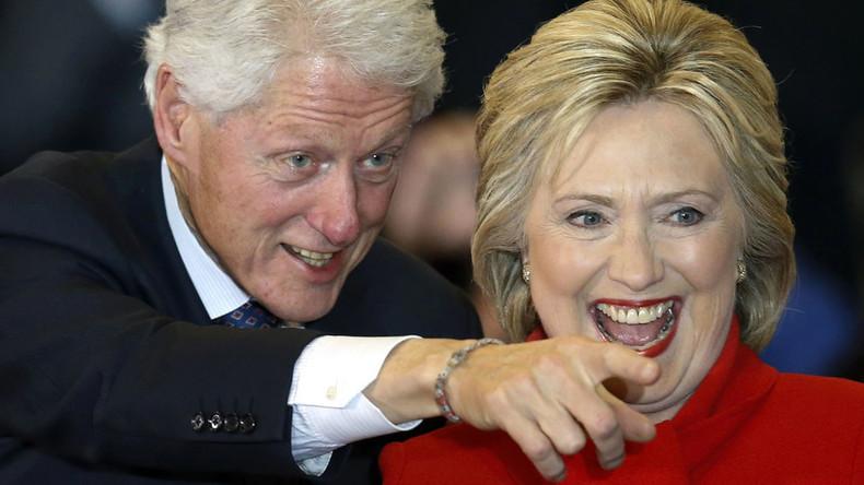 Democratic U.S. presidential candidate Hillary Clinton and her husband, former U.S. President Bill Clinton. © Adrees Latif