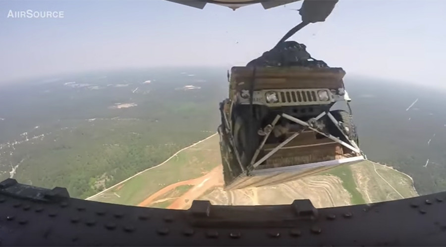 Skyfall: Humvees airdropped from 5,000 feet by C-17 (VIDEO)