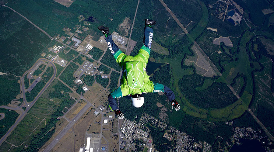Leap of faith: Daredevil skydiver to jump from plane without parachute
