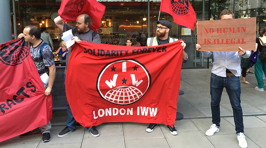 A protest outside a Byron branch in London on Friday, July 29 © Richard Sudan