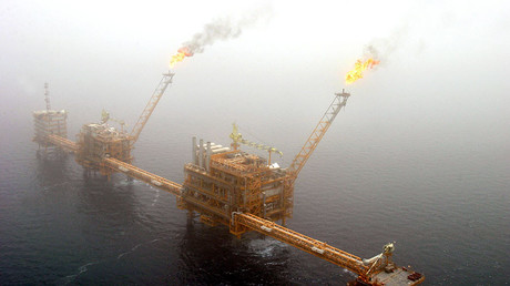 Gas flares from an oil production platform at the Soroush oil fields in the Persian Gulf, 1,250 km (776 miles) south of the capital Tehran ©Raheb Homavandi
