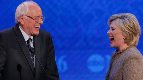 Hillary Clinton (R) and Bernie Sanders © Brian Snyder