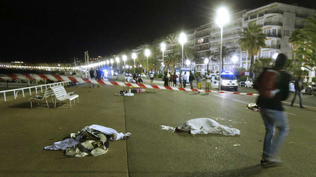 Bodies are seen on the ground July 15, 2016 after at least 30 people were killed in Nice, France, when a truck ran into a crowd celebrating the Bastille Day national holiday July 14. © Eric Gaillard