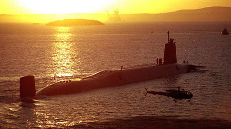 The British Royal Navy's submarine HMS Victorious arrives at Brest ©