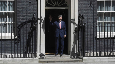Downing Street curse: John Kerry the latest to be doorstepped by No.10 (VIDEO)