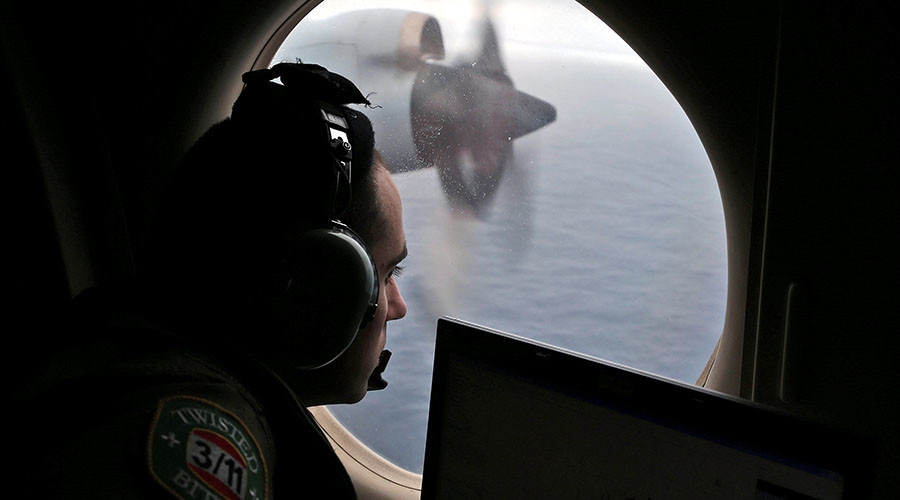 Rogue pilot? Air crash investigator says MH370 was 'deliberately' flown into ocean