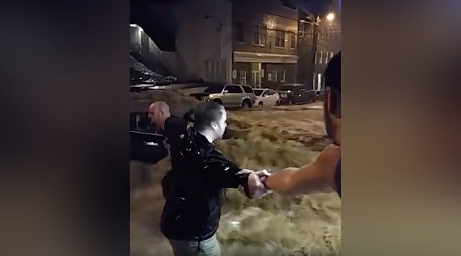 Human chain saves woman  from flooded car in Maryland (VIDEO)