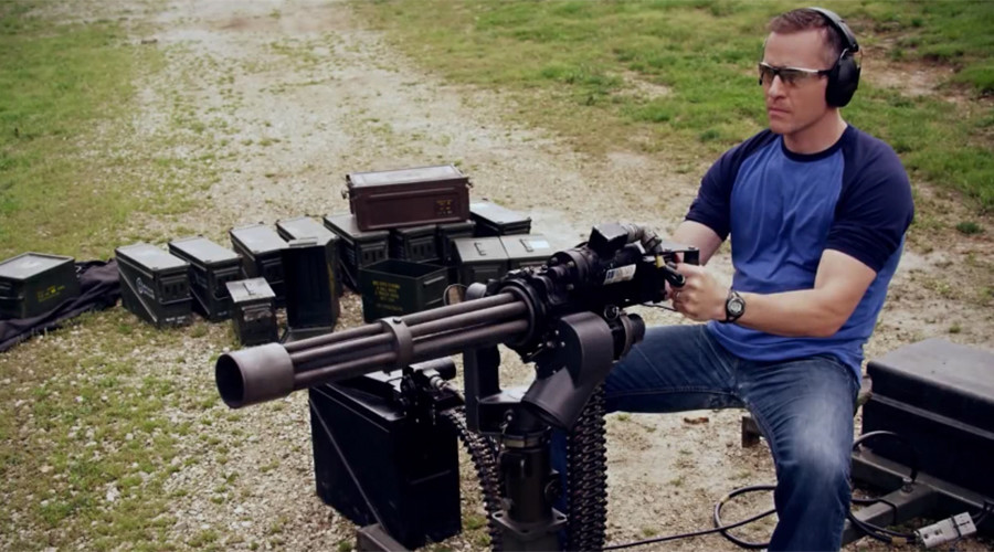 'Conservative warrior' Missouri candidate fires machine gun in bizarre ad (VIDEO)