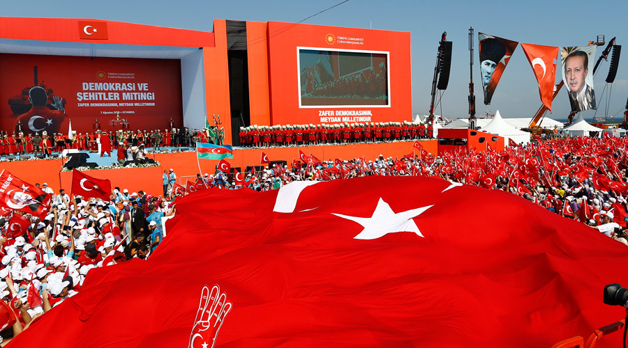 A giant Turkey's national flag is seen during the Democracy and Martyrs Rally, organized by Turkish President Tayyip Erdogan and supported by ruling AK Party (AKP), oppositions Republican People's Party (CHP) and Nationalist Movement Party (MHP), in Istanbul, Turkey, August 7, 2016. © Osman Orsal