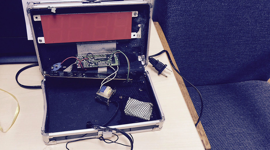A homemade clock made by Ahmed Mohamed, 14, is seen in an undated picture released by the Irving Texas Police Department September 16, 2015. © Irving Texas Police Department