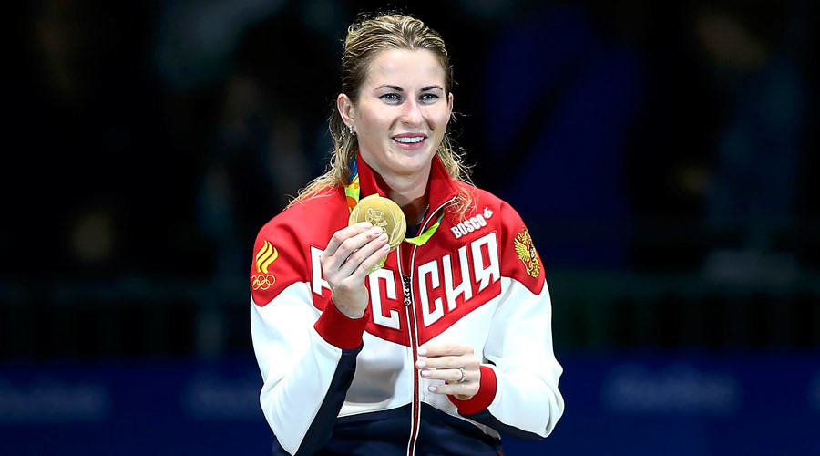 Inna Deriglazova (RUS) of Russia celebrates winning the gold medal © Peter Cziborra