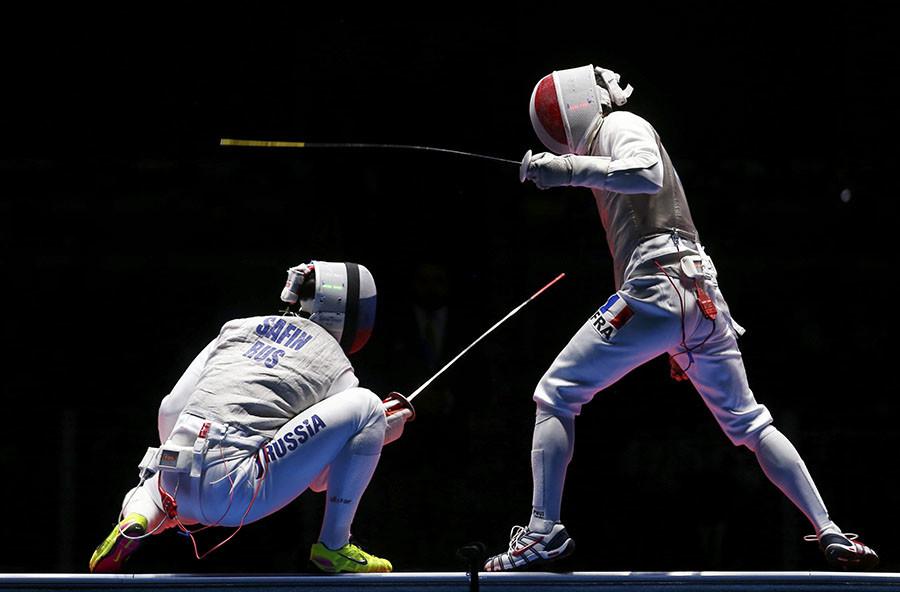 Russian Men S Foil Fencing Team Beats France To Win Rio