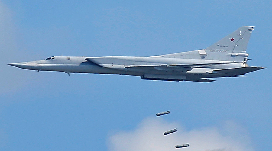 Russian long-range bombers destroy ISIS command centers, manpower in Deir ez-Zor, Syria (VIDEO)
