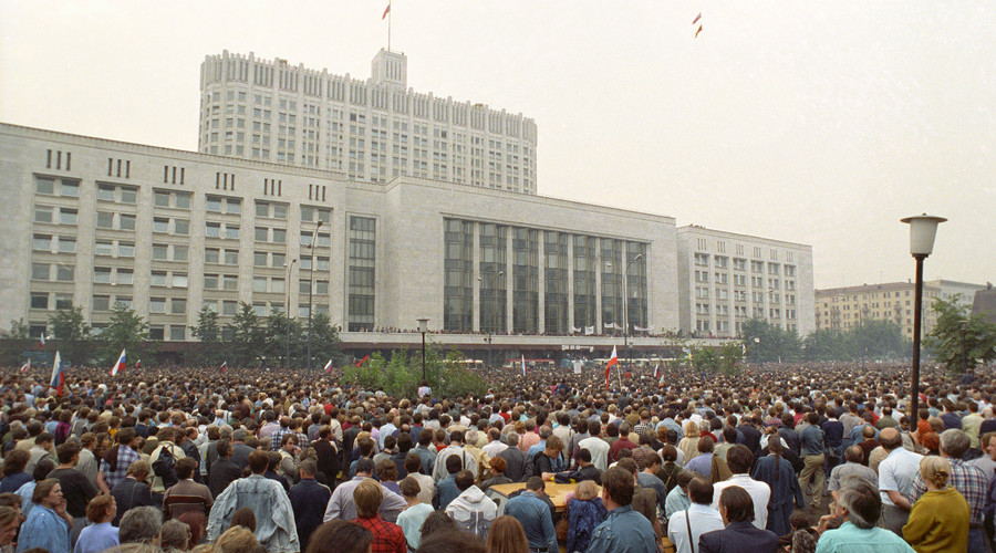 "August 19, 1991. A state of emergency is declared in Moscow, troops and equipment move into the city. Demonstration in front of the Supreme Soviet of the RSFSR entitled ""Rally to protect the White House"". © Alexander Polyakov"