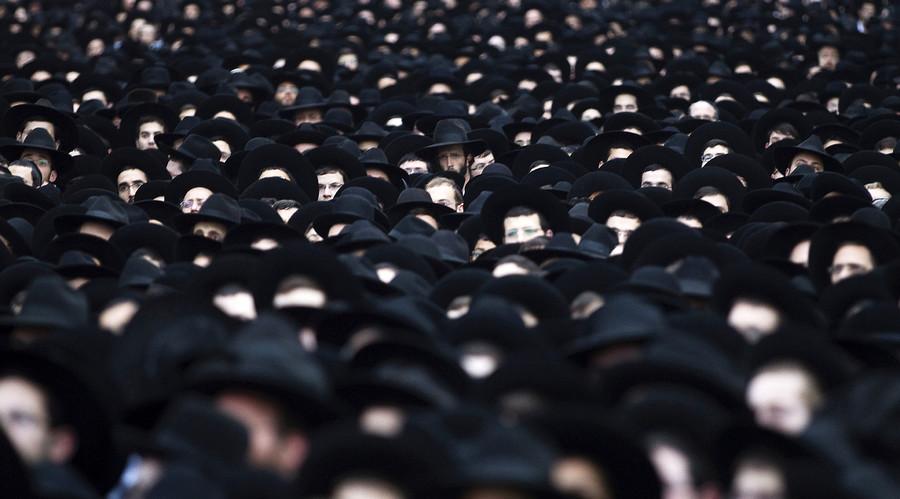 Ultra-Orthodox Jews. © Ronen Zvulun
