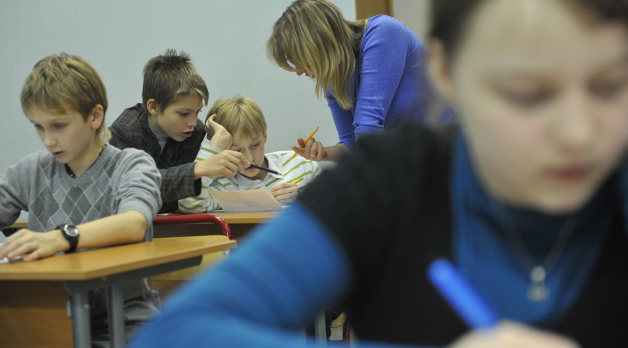 St. Petersburg lawmaker wants Russian children to study traitors' stories in school