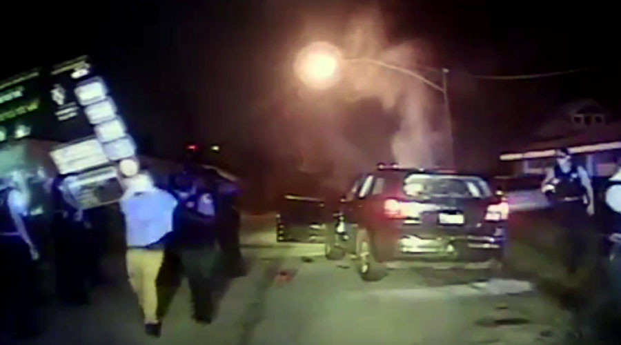 Police cameras capture shoot-out with Chicago carjacker (VIDEO)