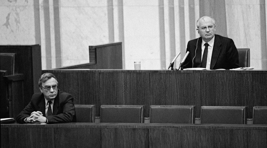Soviet President Mikhail Gorbachev, right, and Vice President Gennady Yanayev, left. © Boris Kaufman