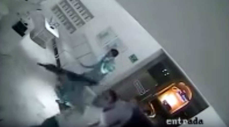 Kidnap of El Chapo's son captured on restaurant CCTV (VIDEO)