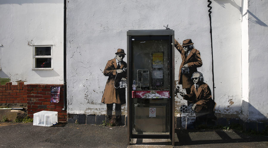 Smashed or stolen? Banksy 'Spy Booth' mural satirizing govt. surveillance removed (PHOTO, VIDEO)