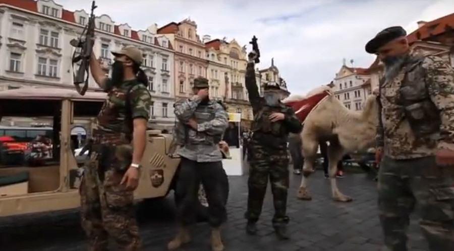 Beards, guns and … a camel: Islamophobic group stages fake ISIS attack in Prague (PHOTOS, VIDEO)