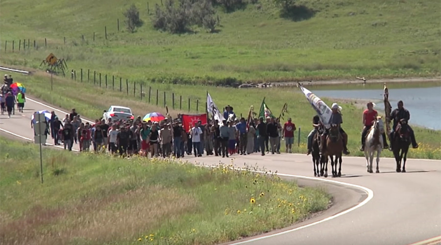 N Dakota pulls water tanks from pipeline protest site as judge urges compromise