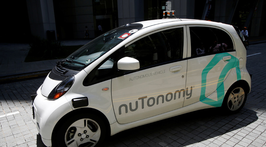 A nuTonomy self-driving taxi drives on the road in its public trial in Singapore August 25, 2016. © Edgar Su