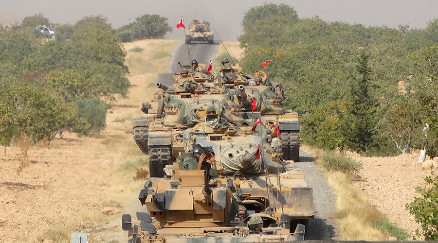 Turkish army tanks make their way towards the Syrian border town of Jarablus, Syria August 24, 2016. © Revolutionary Forces of Syria Media Office