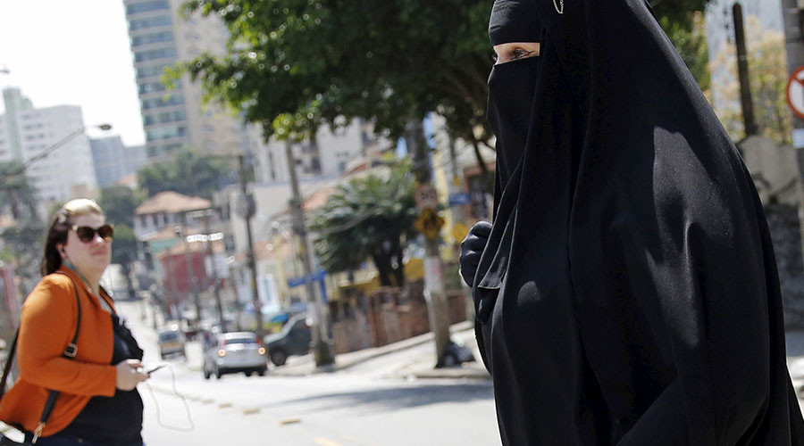 30% of Germans call for burqa ban in public places, 51% want complete prohibition – poll