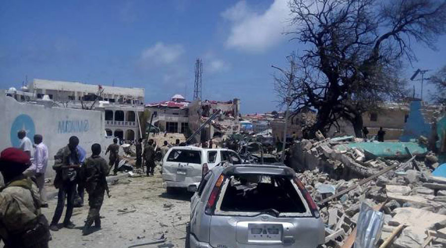 5 killed as car bomb explodes outside Somali president's residence, nearby hotels destroyed