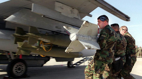 US airmen load an AIM-9 Sidewinder missile on to an F-16C at the Incirlik air base in Turkey. File photo. © Sgt. Lance Cheung