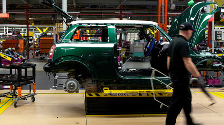 Factory producing Mini cars at the BMW's plant at Cowley, Oxford © Andrew Cowie