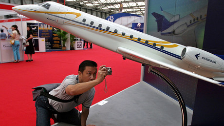 A Chinese visitor at the Asian Business Aviation Conference & Exhibition in Shanghai © Aly Song CC